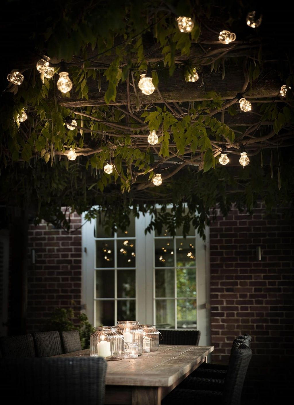 Inspiring Outdoor Lighting Ideas For Your Garden 20