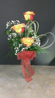 Lovely Rose Arrangement Ideas For Valentines Day 05