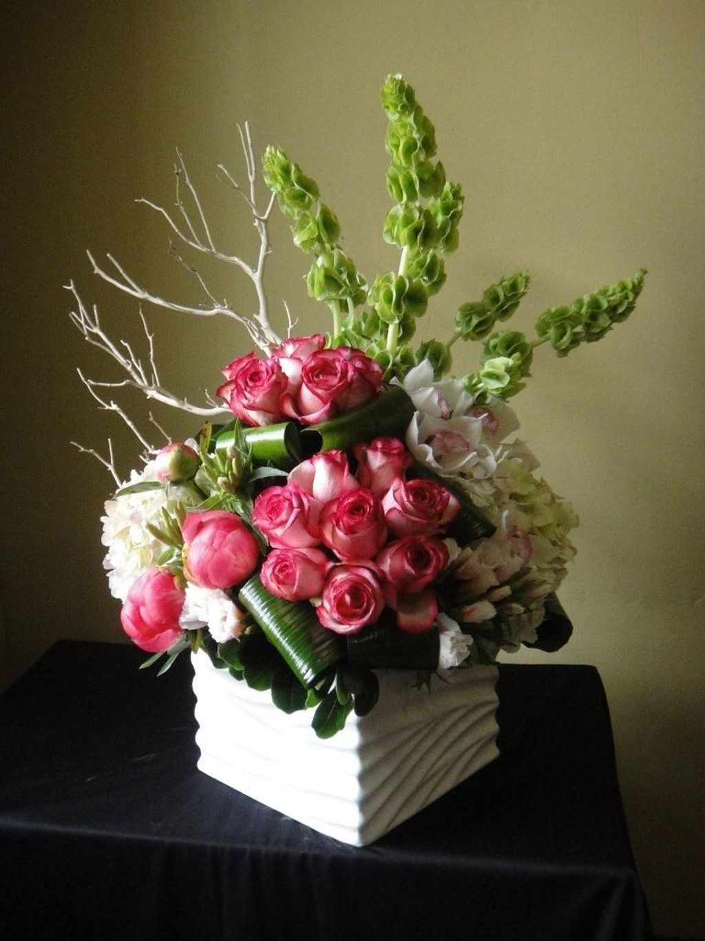 Lovely Rose Arrangement Ideas For Valentines Day 10
