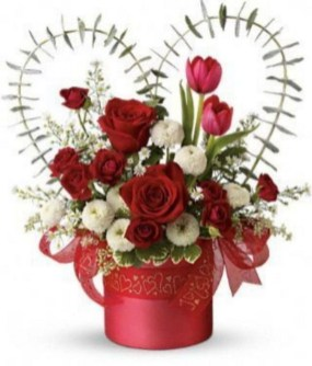 Lovely Rose Arrangement Ideas For Valentines Day 34