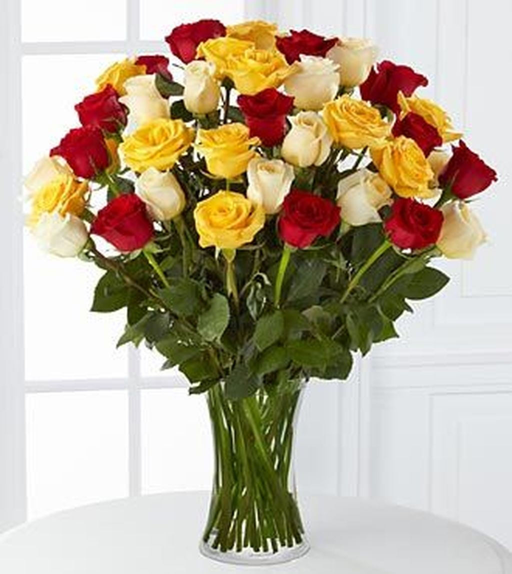 Lovely Rose Arrangement Ideas For Valentines Day 38
