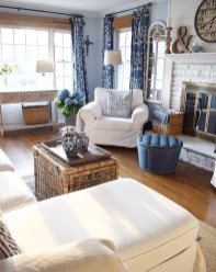 Amazing Coastal Living Room Decoration Ideas You Must Try 21