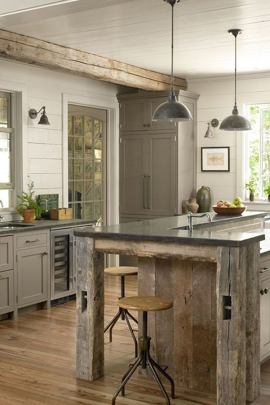 Awesome Rustic Kitchen Island Design Ideas 14