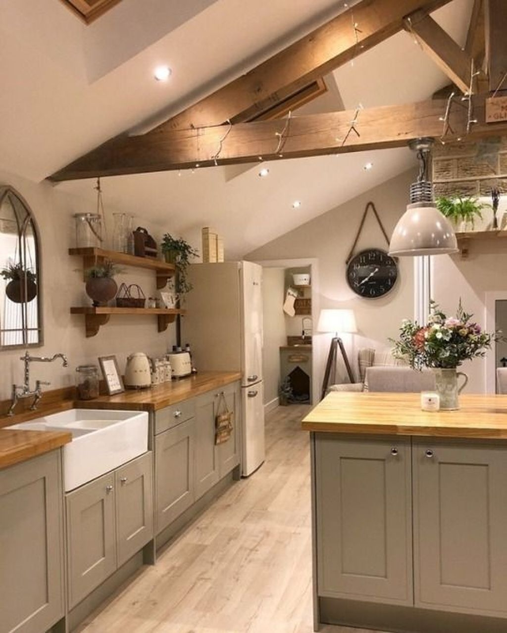 Awesome Rustic Kitchen Island Design Ideas 26