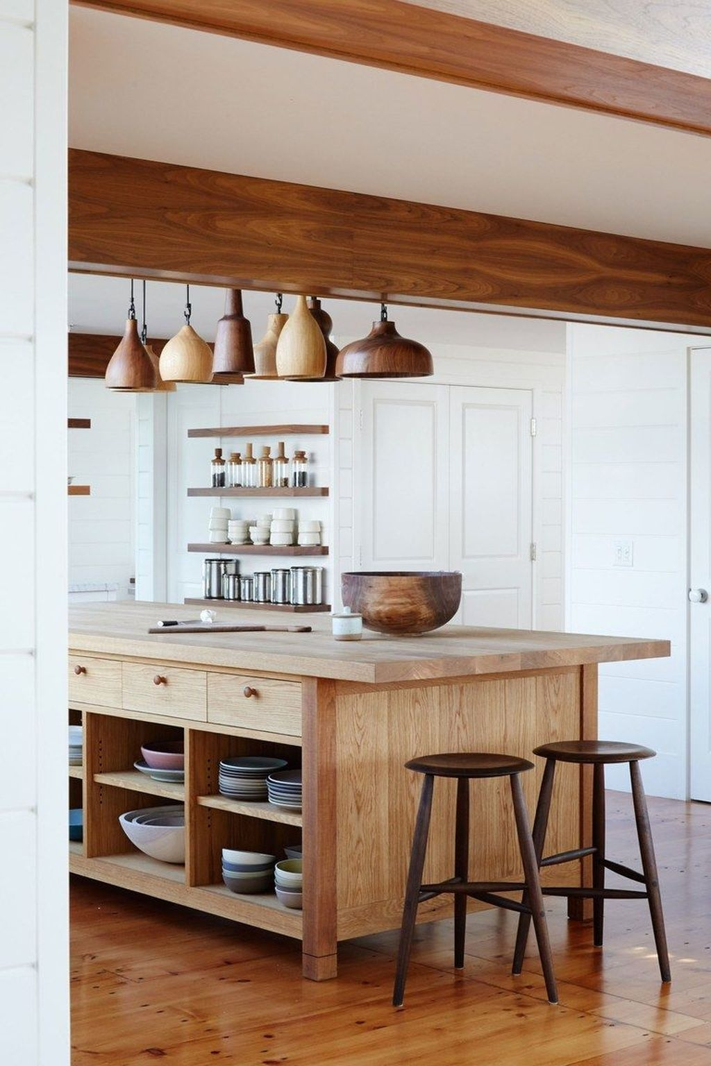 Awesome Rustic Kitchen Island Design Ideas 34