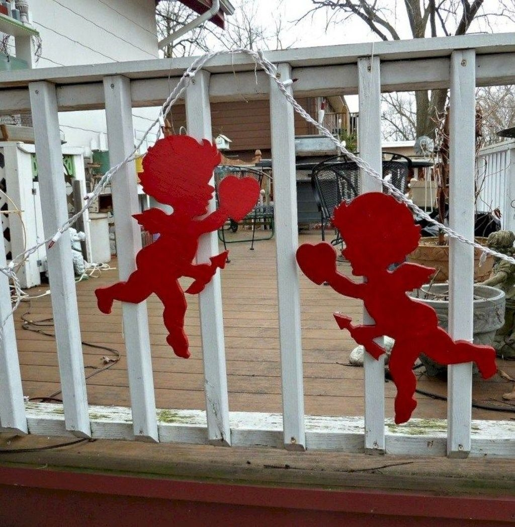 Awesome Valentine Outdoor Decorations 10