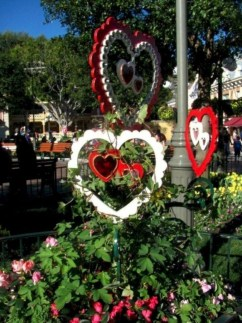 Awesome Valentine Outdoor Decorations 11