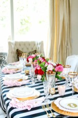 Beautiful And Romantic Valentine Dining Table Decoration Ideas 21