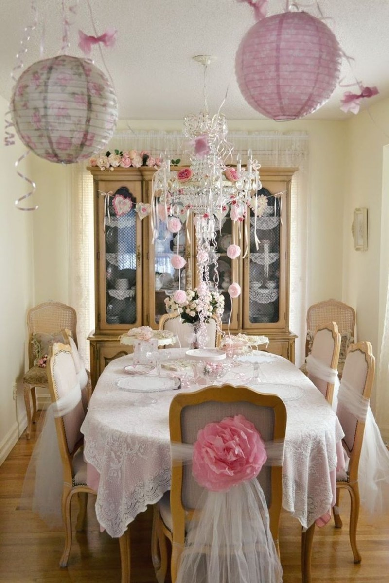 Beautiful And Romantic Valentine Dining Table Decoration Ideas 22