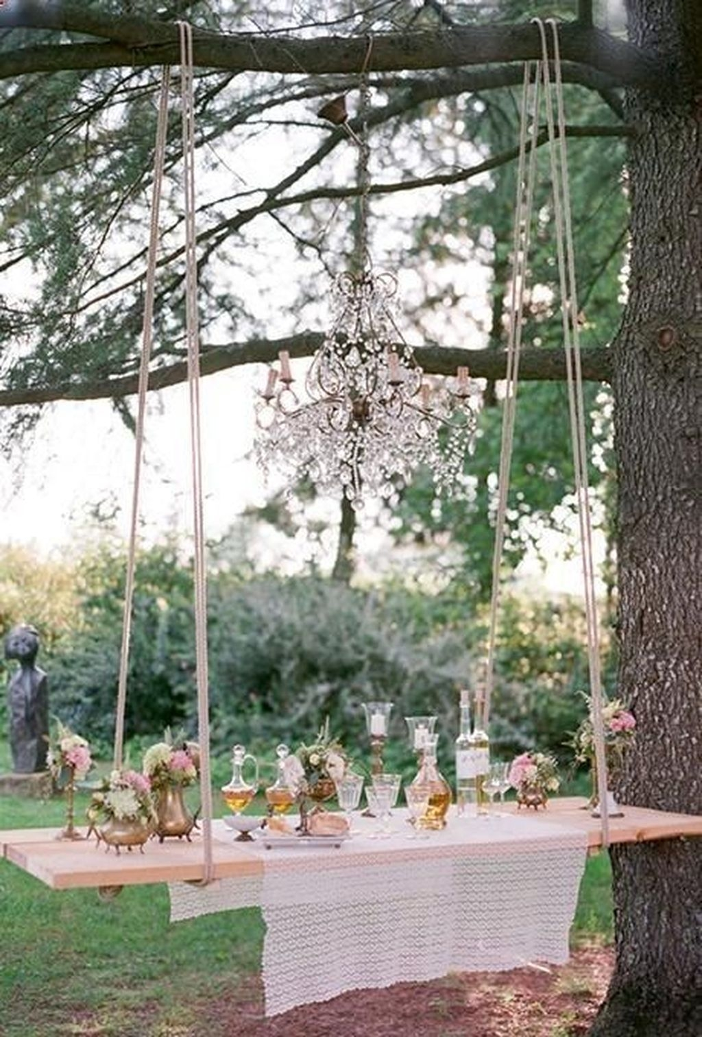 Beautiful Backyard Wedding Decor Ideas To Get A Romantic Impression 03