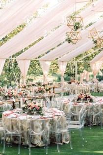 Beautiful Backyard Wedding Decor Ideas To Get A Romantic Impression 04