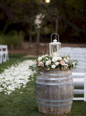 Beautiful Backyard Wedding Decor Ideas To Get A Romantic Impression 06