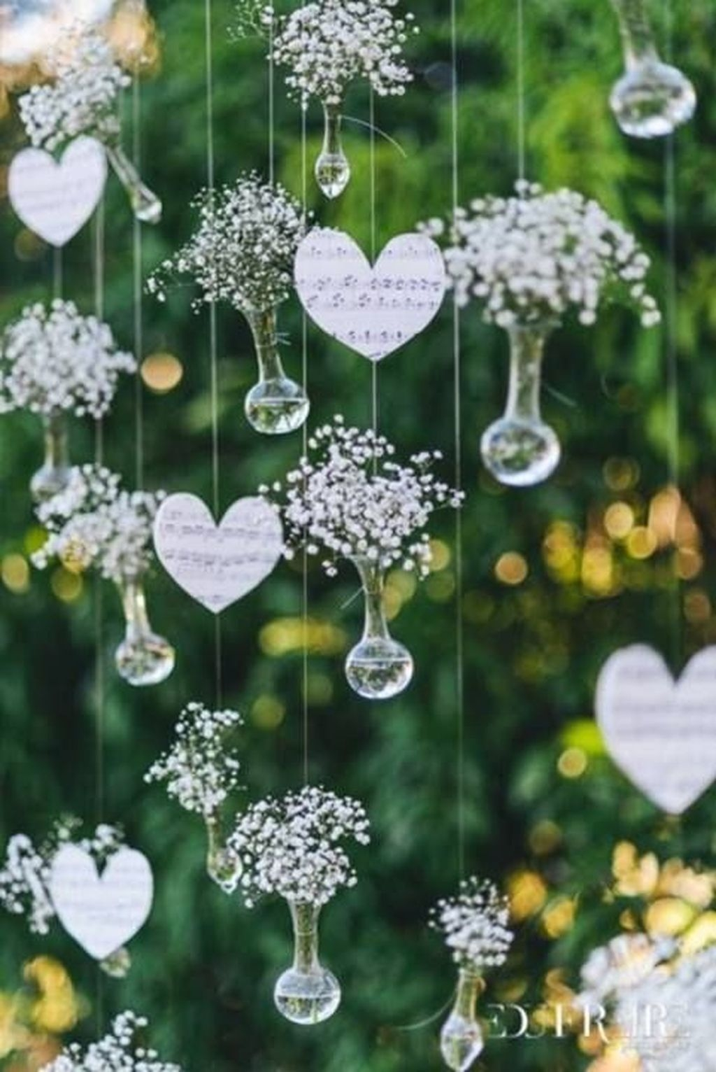 Beautiful Backyard Wedding Decor Ideas To Get A Romantic Impression 21