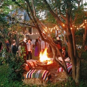 Beautiful Backyard Wedding Decor Ideas To Get A Romantic Impression 35