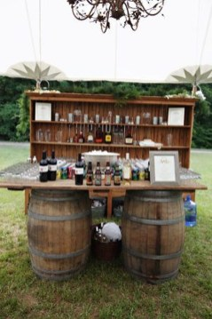 Beautiful Backyard Wedding Decor Ideas To Get A Romantic Impression 49