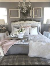 Beautiful Modern Farmhouse Master Bedroom Decoration Ideas 11
