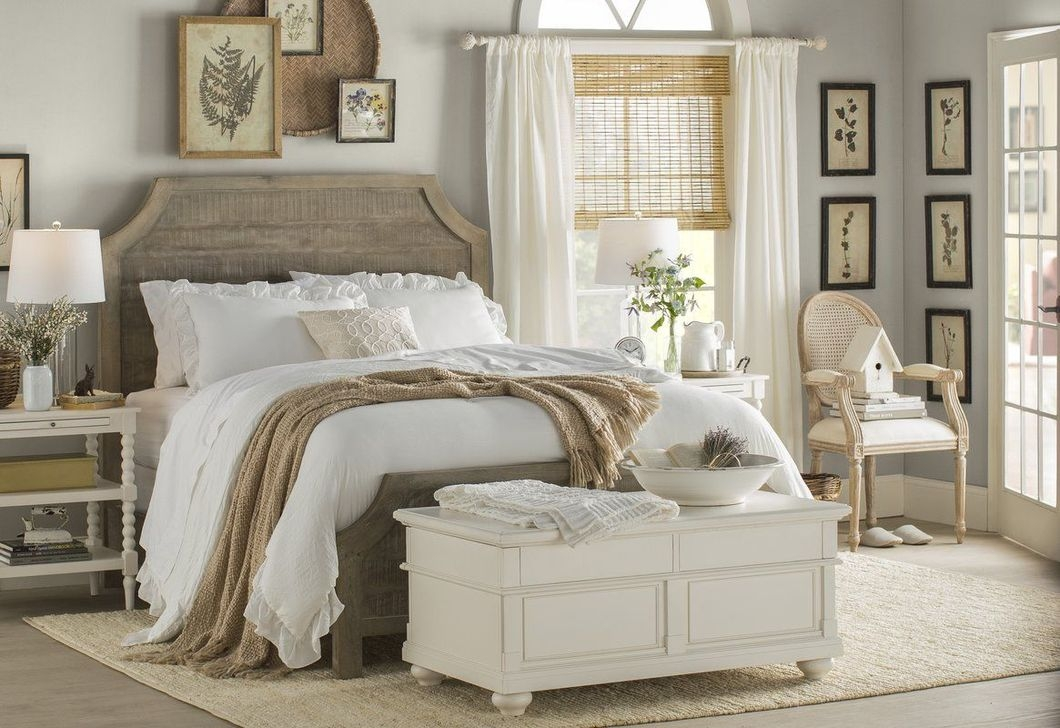 Beautiful Modern Farmhouse Master Bedroom Decoration Ideas 13