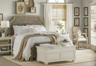 Beautiful Modern Farmhouse Master Bedroom Decoration Ideas 13