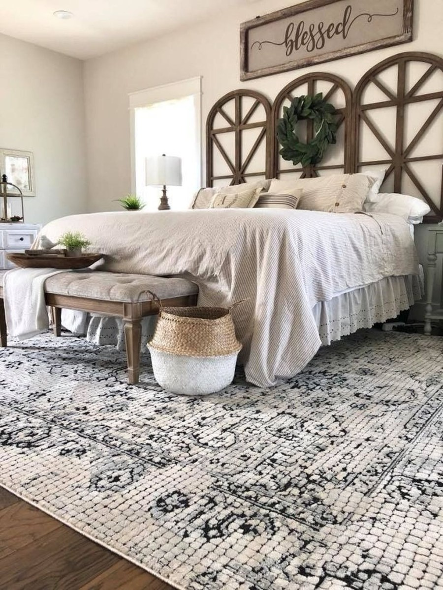 Beautiful Modern Farmhouse Master Bedroom Decoration Ideas 44
