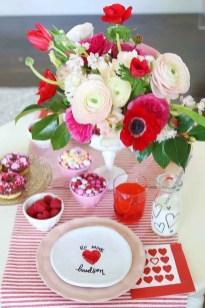 Beautiful Valentine Interior Decor Ideas To Make Him Amazed 40