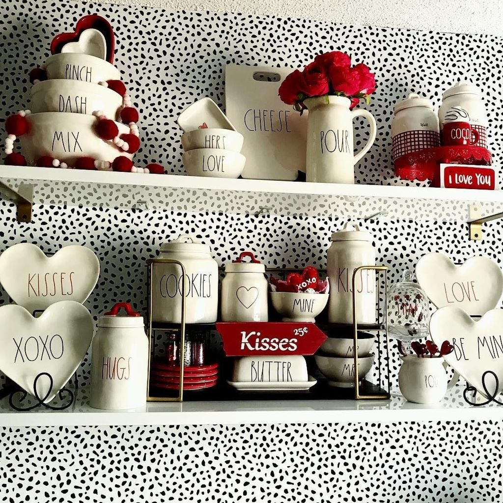 Cute Farmhouse Style Valentine Decorations 01