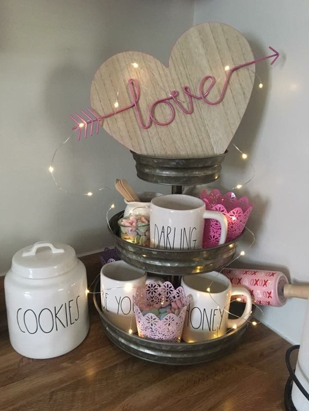 Cute Farmhouse Style Valentine Decorations 24