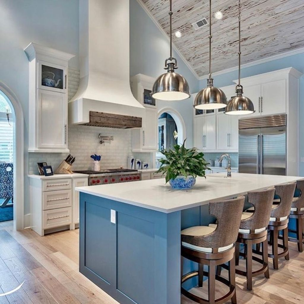 Gorgeous Coastal Kitchen Design Ideas 08