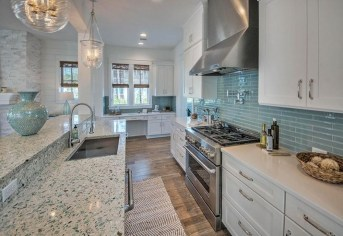 Gorgeous Coastal Kitchen Design Ideas 12