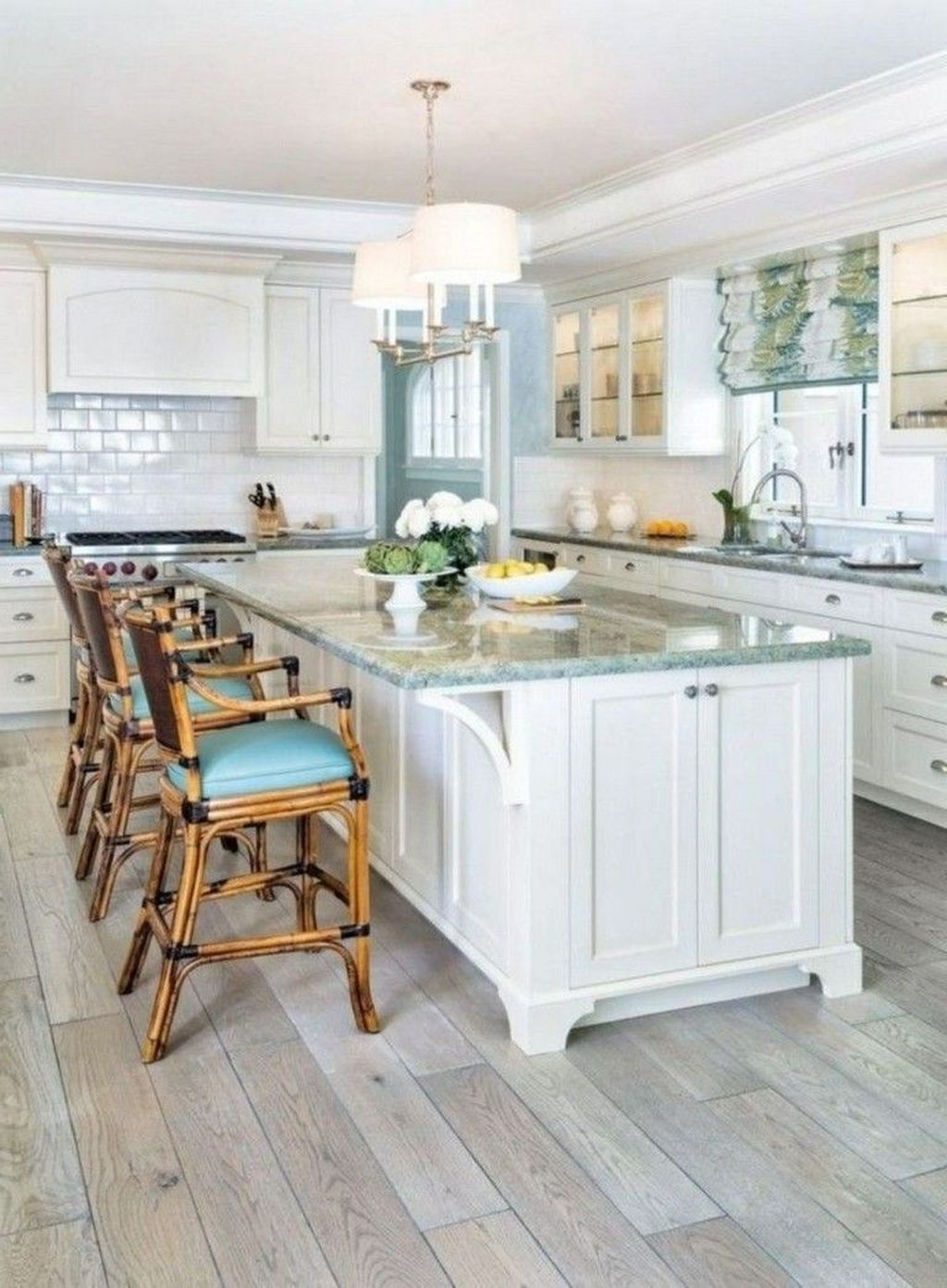 Gorgeous Coastal Kitchen Design Ideas 17
