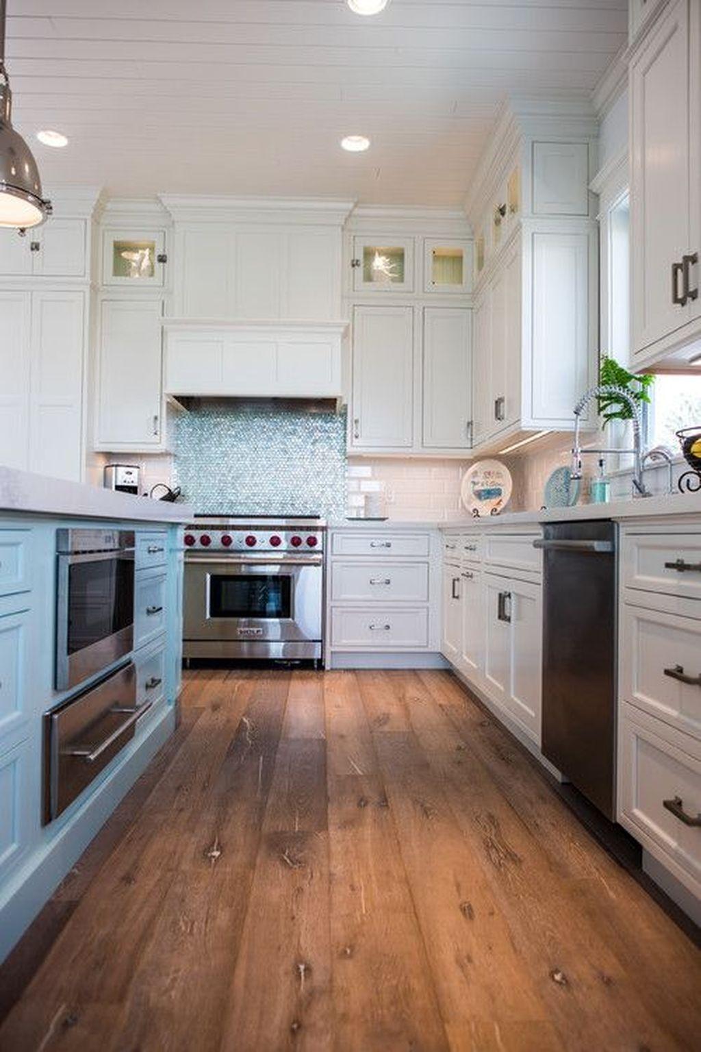 Gorgeous Coastal Kitchen Design Ideas 31