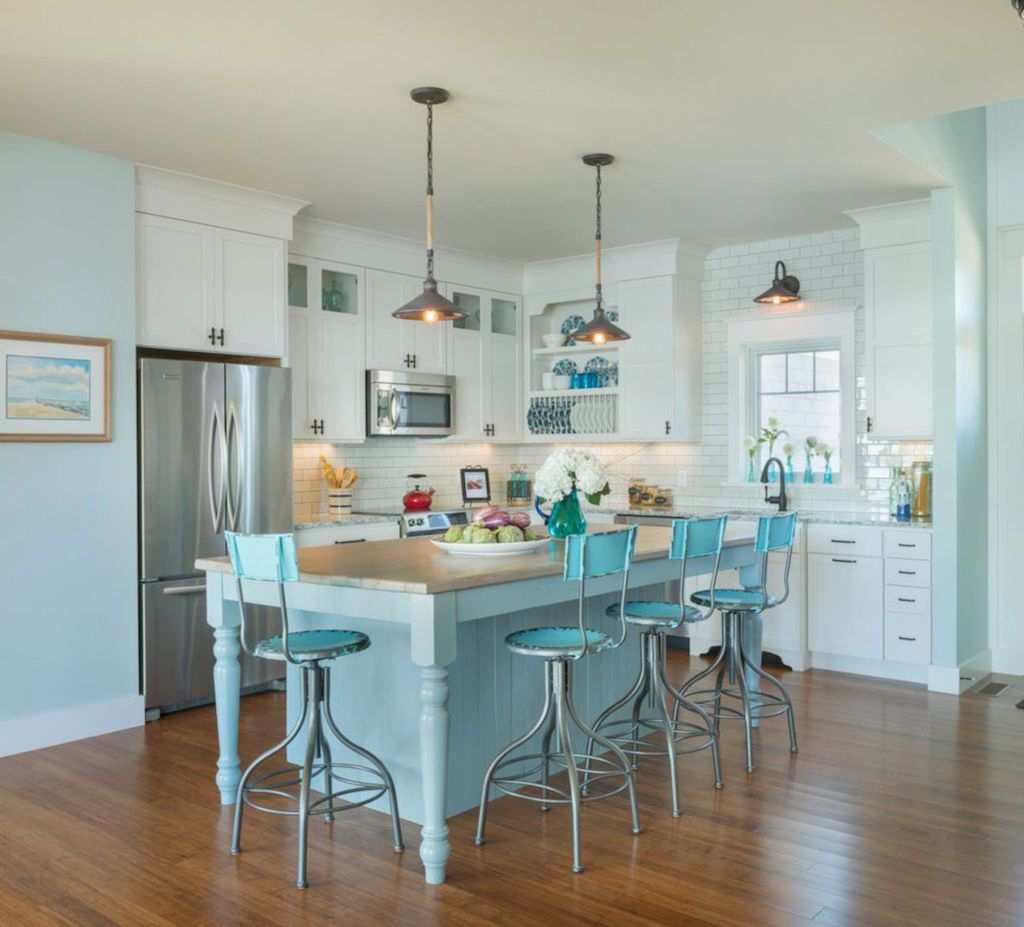 Gorgeous Coastal Kitchen Design Ideas 33