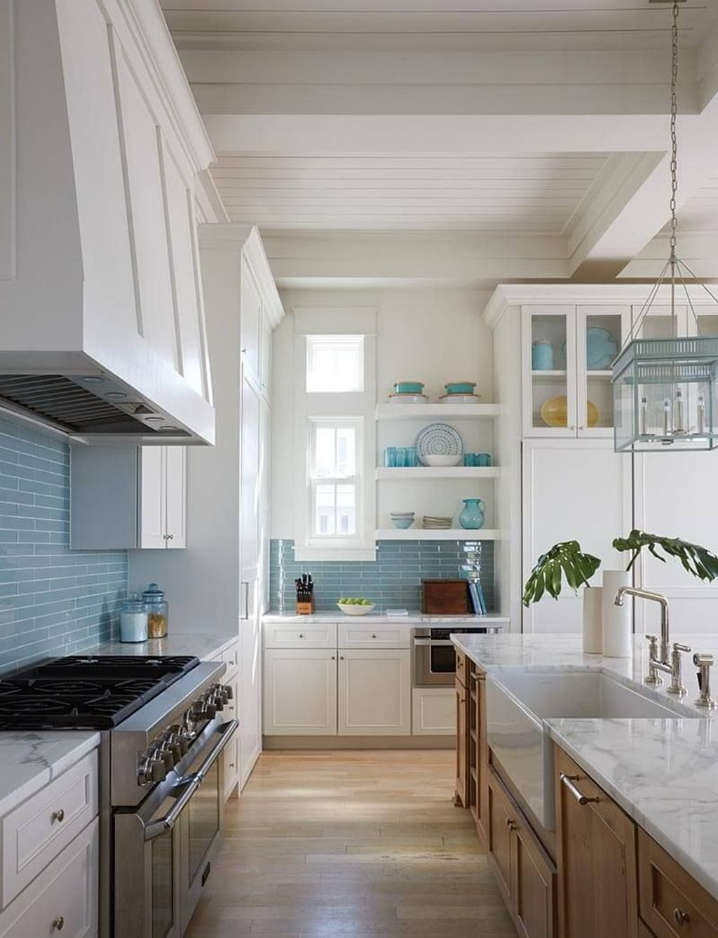 Gorgeous Coastal Kitchen Design Ideas 38