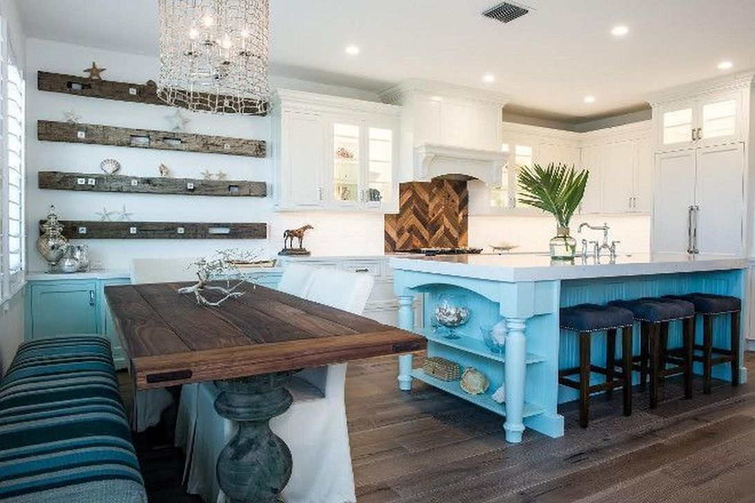 Gorgeous Coastal Kitchen Design Ideas 40