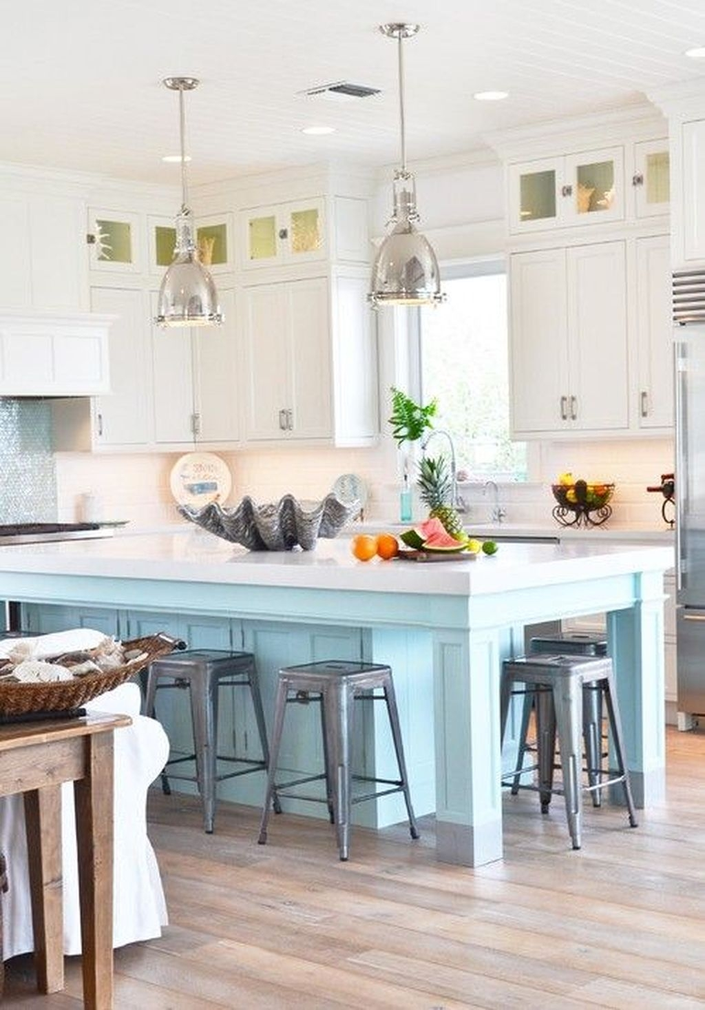 Gorgeous Coastal Kitchen Design Ideas 43