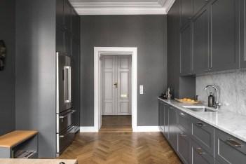 Inspiring Dark Grey Kitchen Design Ideas 17