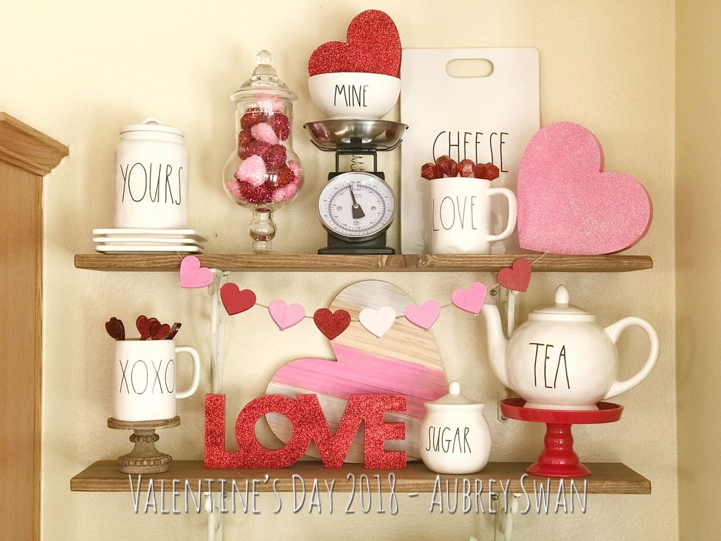 Lovely Valentine Home Decor Ideas For Couples 06