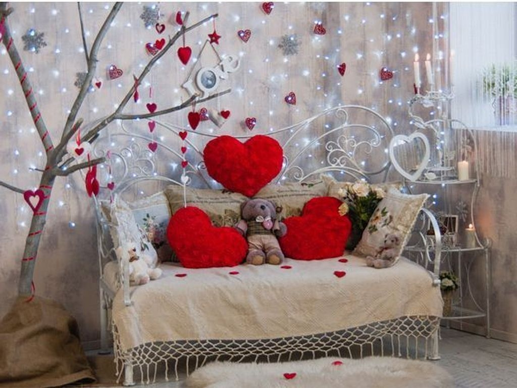 Lovely Valentine Home Decor Ideas For Couples 07