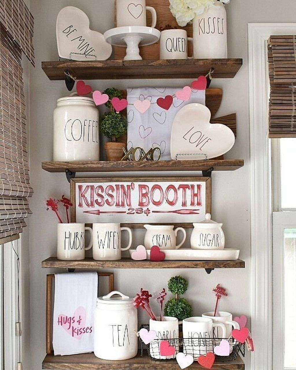 Lovely Valentine Home Decor Ideas For Couples 37