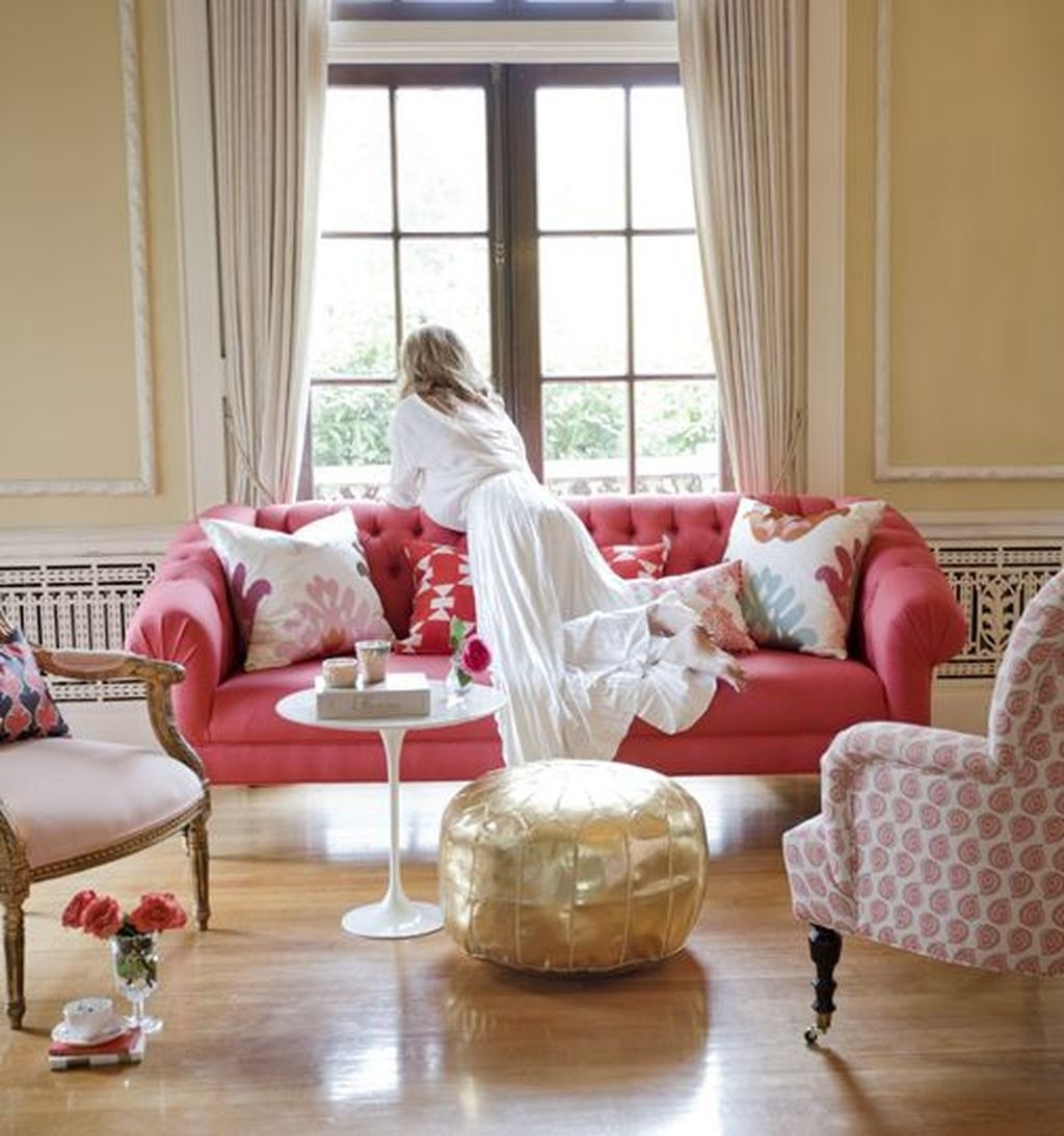 Romantic Living Room Decor With Valentine Themes 14