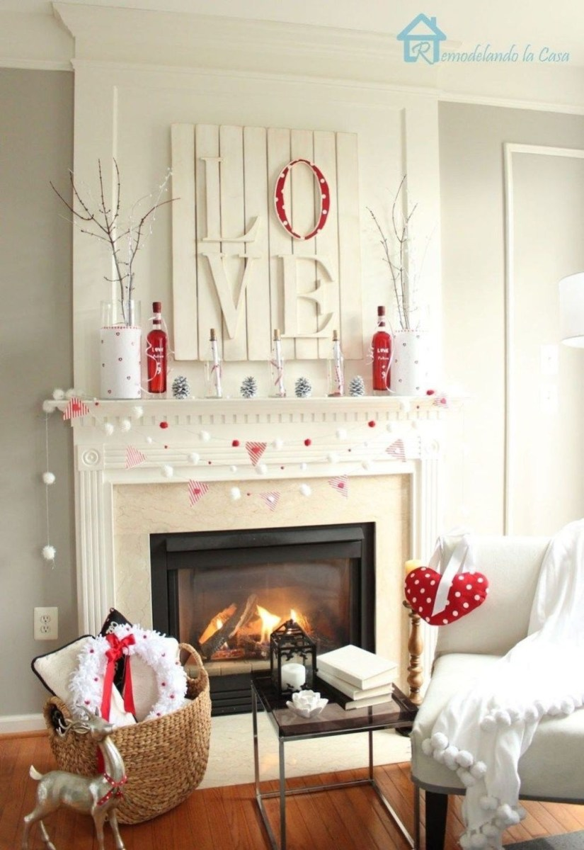 Romantic Living Room Decor With Valentine Themes 19