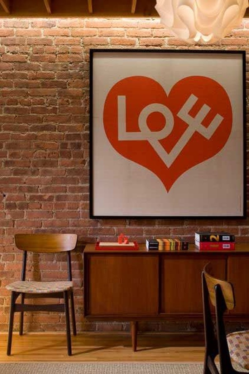 Romantic Living Room Decor With Valentine Themes 22