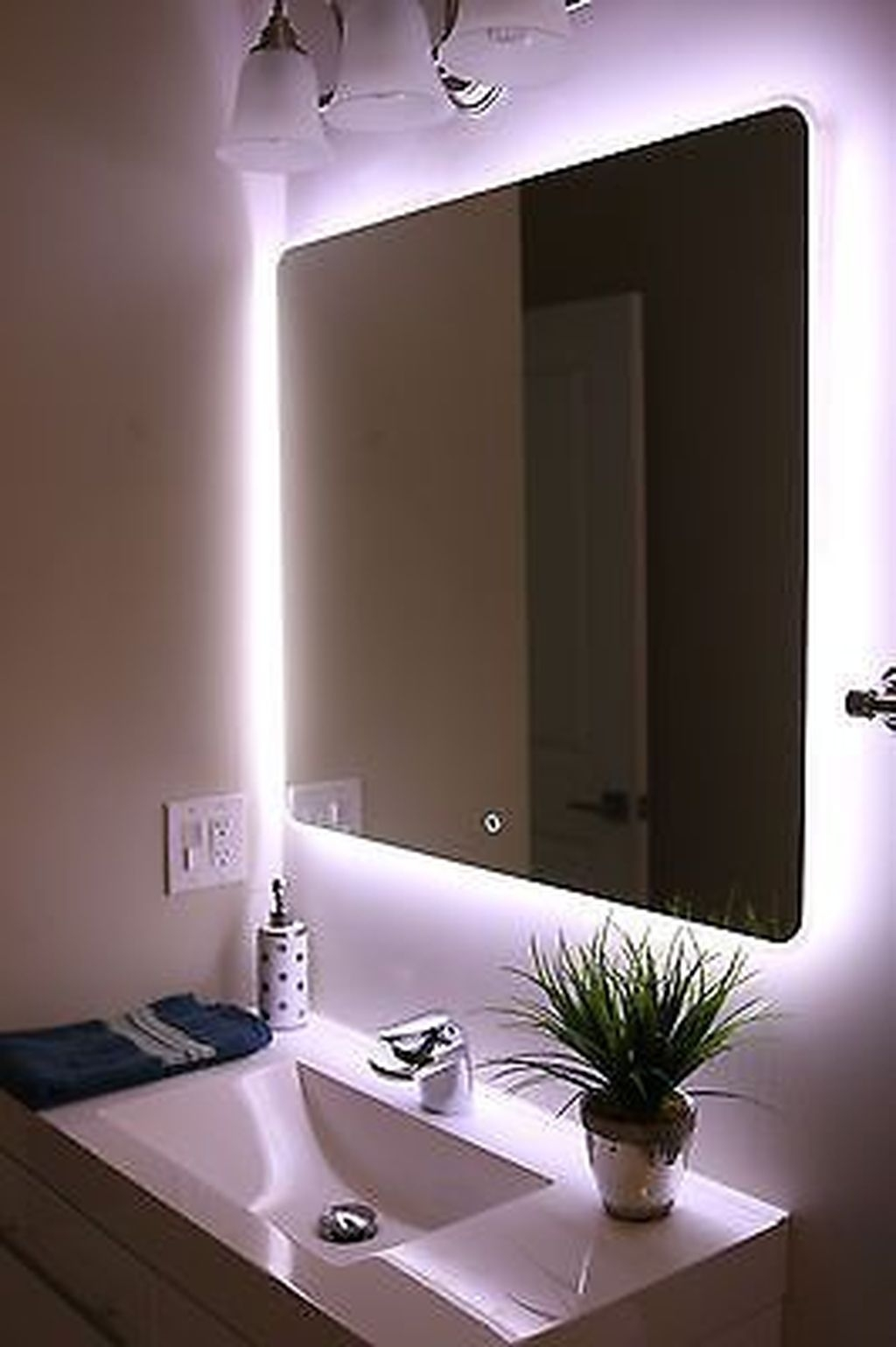 Stunning Bathroom Mirror Decor Ideas 26