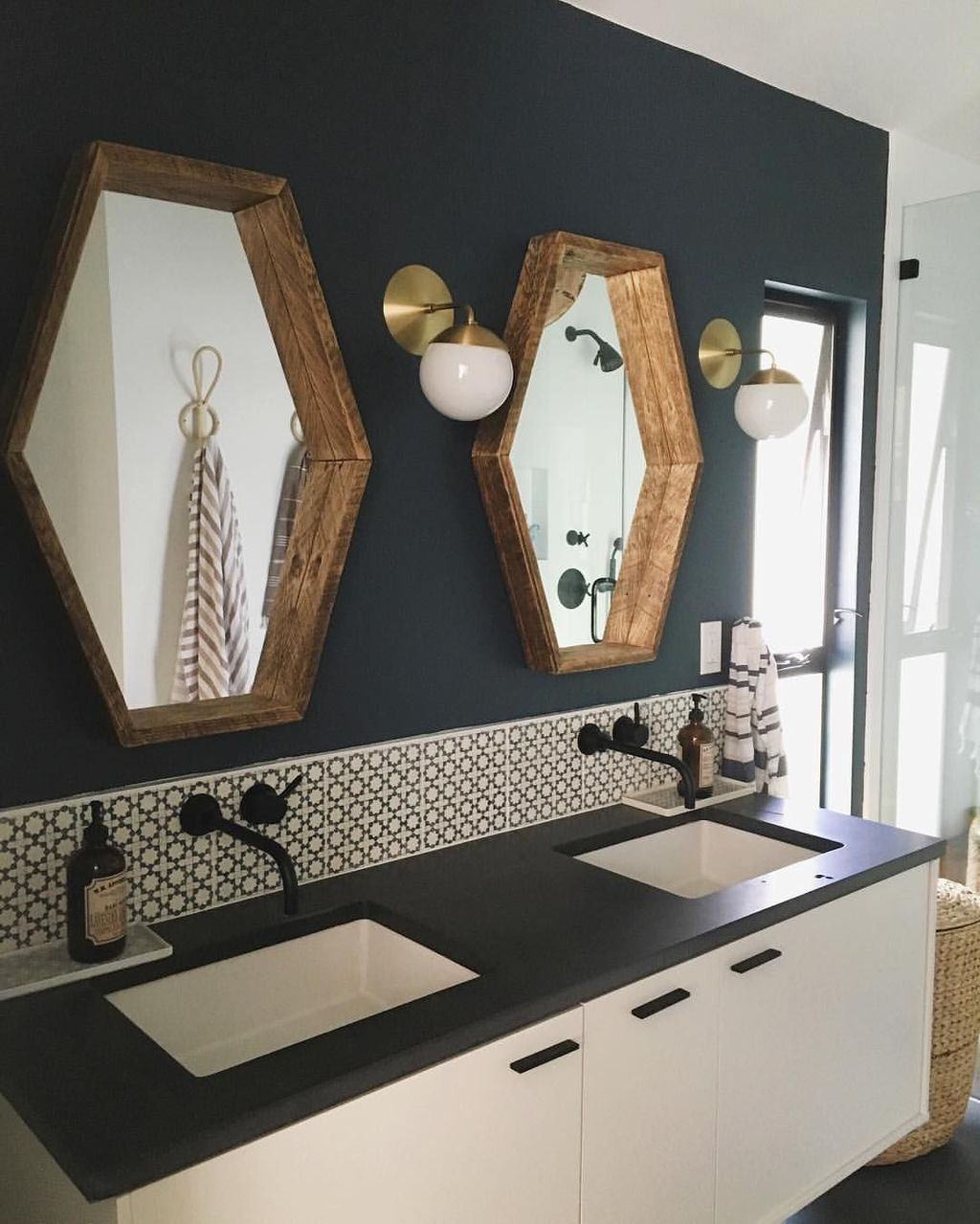 Stunning Bathroom Mirror Decor Ideas 43