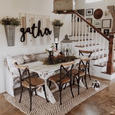 Stunning Farmhouse Dining Room Decoration Ideas 25
