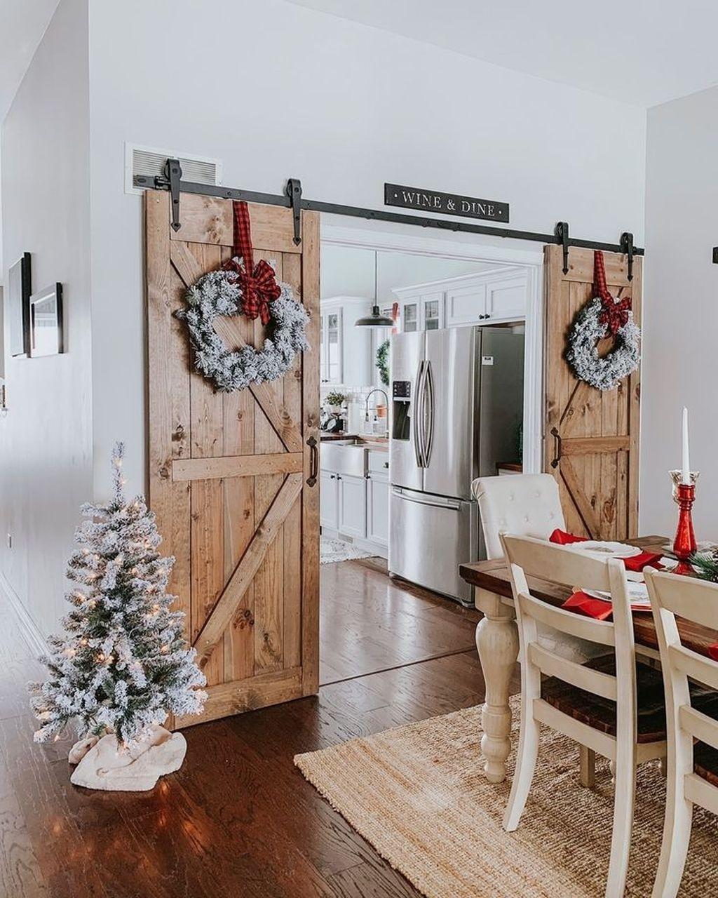 Stunning Farmhouse Dining Room Decoration Ideas 26