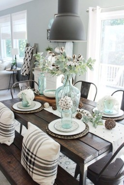 Stunning Farmhouse Dining Room Decoration Ideas 32