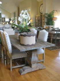 Stunning Farmhouse Dining Room Decoration Ideas 44