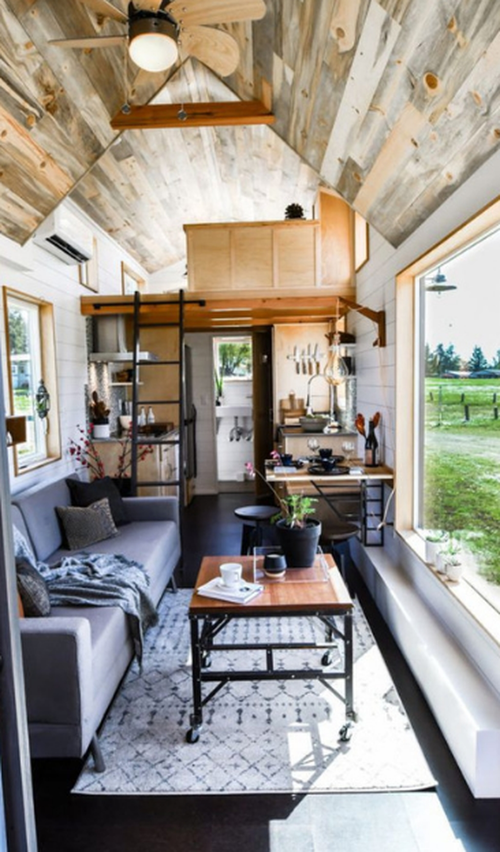 Stunning Tiny House Design Ideas 44