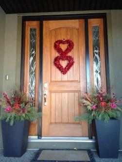 Stunning Valentines Day Front Porch Decor Ideas 21