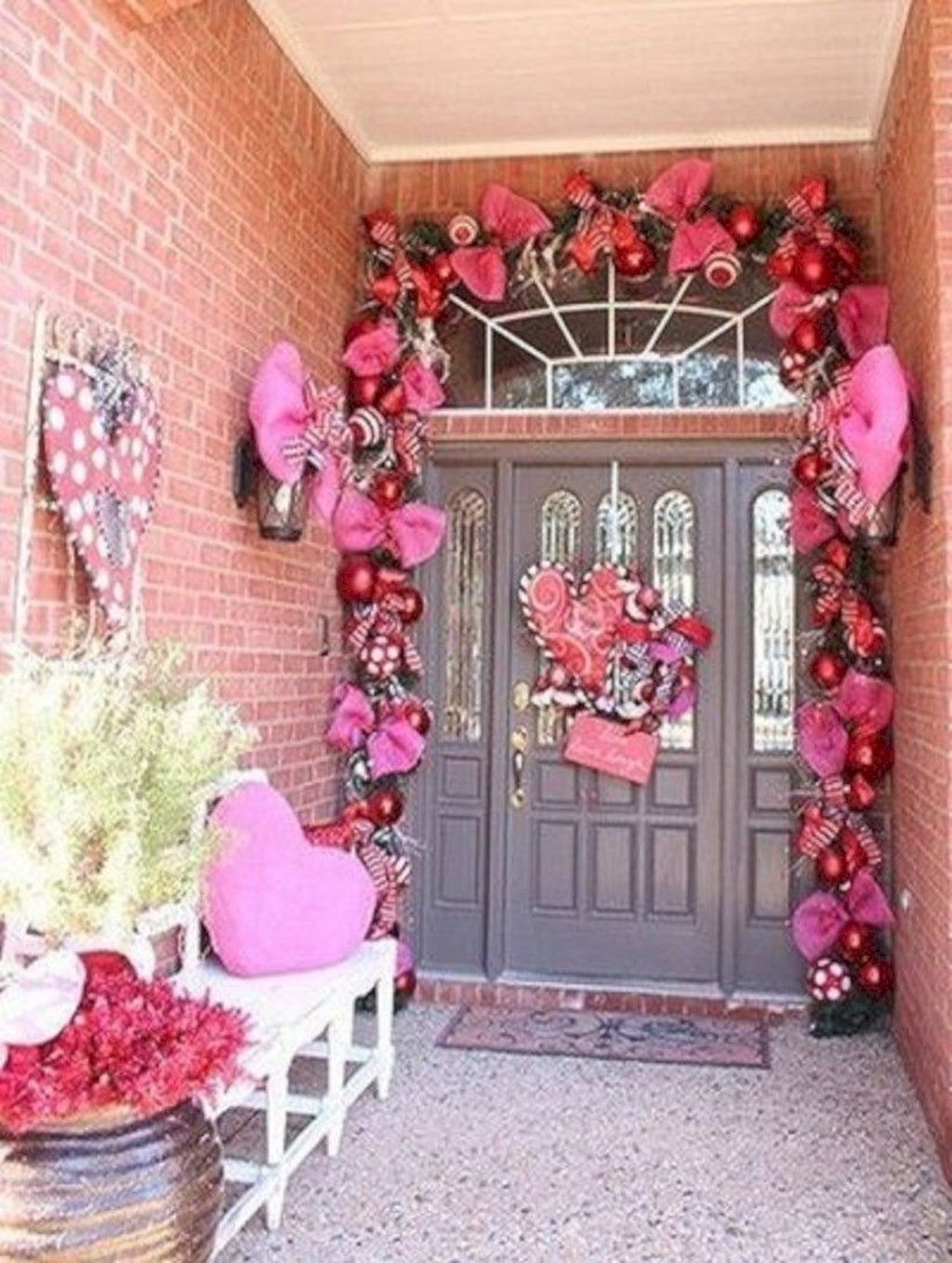 Stunning Valentines Day Front Porch Decor Ideas 36